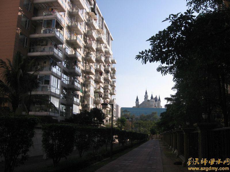 别墅装修风水设计主要在于别墅大门的风水线位和客厅的风
